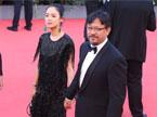 第70届威尼斯国际电影节开幕 姜文携妻亮相水城