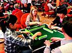 老外酷爱搓麻将 欧洲举行麻将巡回赛